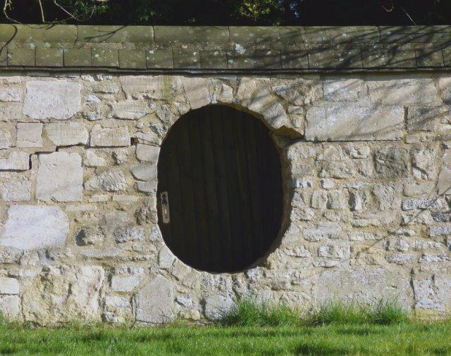 hobbit-door