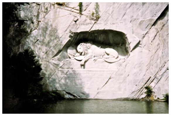 lion-monument